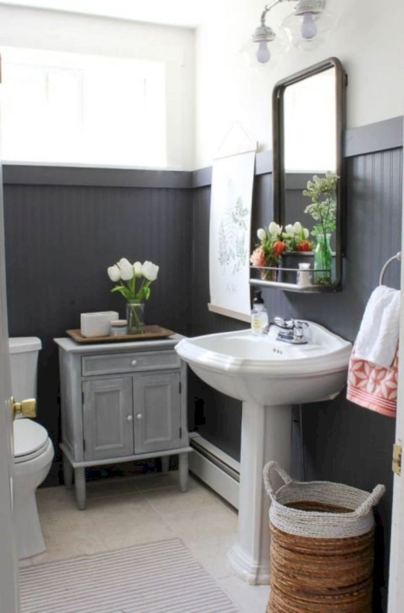 Cozy farmhouse bathroom makeover ideas 27