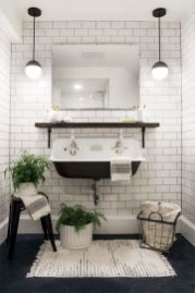 Cozy farmhouse bathroom makeover ideas 34