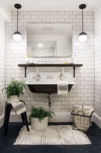 Cozy farmhouse bathroom makeover ideas 34