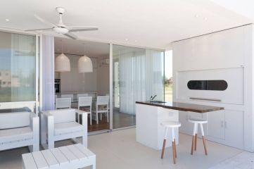 Fabulous all white kitchens ideas 33