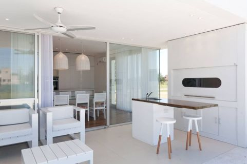 Fabulous all white kitchens ideas 33