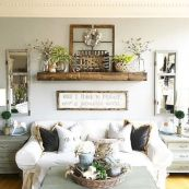 Fabulous farmhouse living room decor design ideas 45