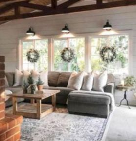 Gorgeous farmhouse living room decor design ideas 44