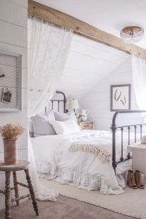 Gorgeous minimalist elegant white themed bedroom ideas 13