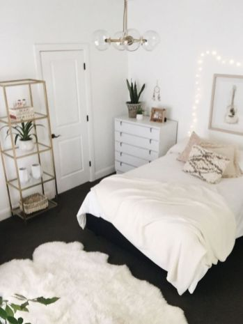 Gorgeous minimalist elegant white themed bedroom ideas 20