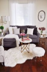 Inspiring small living room apartment ideas 27