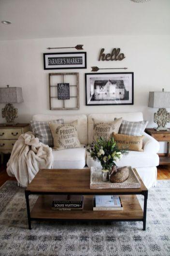 Lovely rustic coastal living room design ideas 03