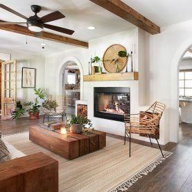 Lovely rustic coastal living room design ideas 06