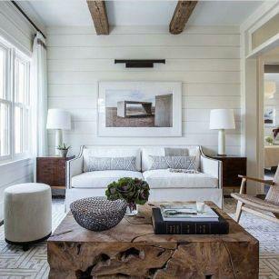 Lovely rustic coastal living room design ideas 21