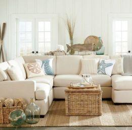 Lovely rustic coastal living room design ideas 25