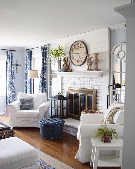 Lovely rustic coastal living room design ideas 32