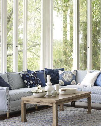 Lovely rustic coastal living room design ideas 35