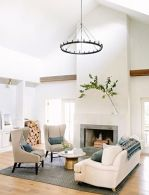 Lovely rustic coastal living room design ideas 40