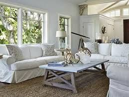 Lovely rustic coastal living room design ideas 46