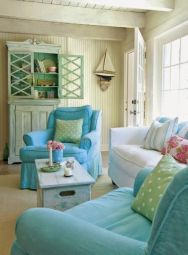 Lovely rustic coastal living room design ideas 48