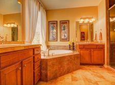 Popular master bathroom design ideas for amazing homes 08