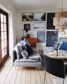 Stunning living room wall gallery design ideas 31