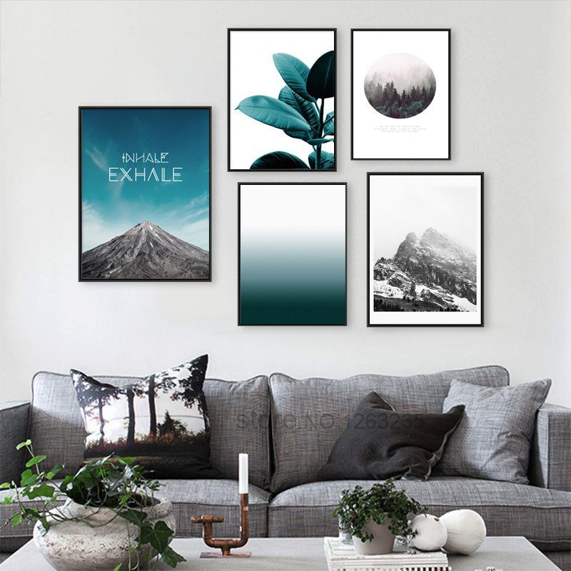 Stunning living room wall gallery design ideas 47