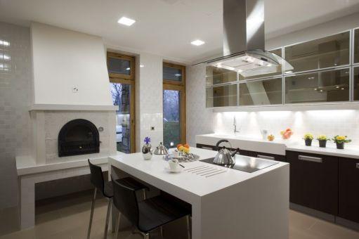 Amazing black kitchen design ideas 11