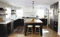 Amazing black kitchen design ideas 14