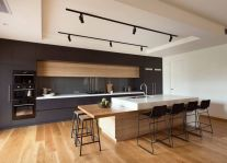 Amazing black kitchen design ideas 15