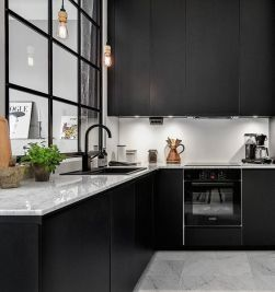 Amazing black kitchen design ideas 22