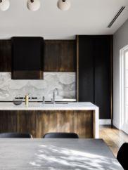 Amazing black kitchen design ideas 30