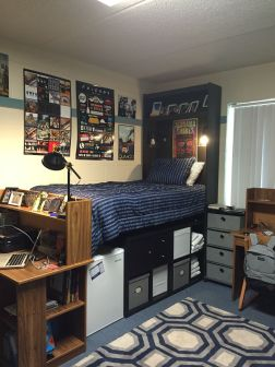 Beautiful dorm room organization ideas 16