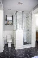 Fabulous small farmhouse bathroom design ideas 04