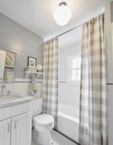 Fabulous small farmhouse bathroom design ideas 06