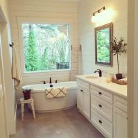 Fabulous small farmhouse bathroom design ideas 10