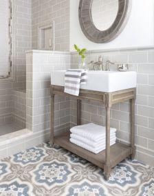 Fabulous small farmhouse bathroom design ideas 20