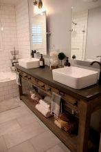 Fabulous small farmhouse bathroom design ideas 24