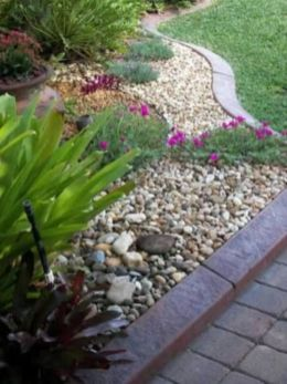 Great front yard rock garden ideas 27
