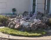 Great front yard rock garden ideas 28