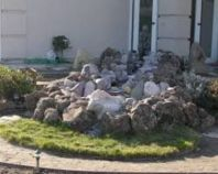 Great front yard rock garden ideas 28