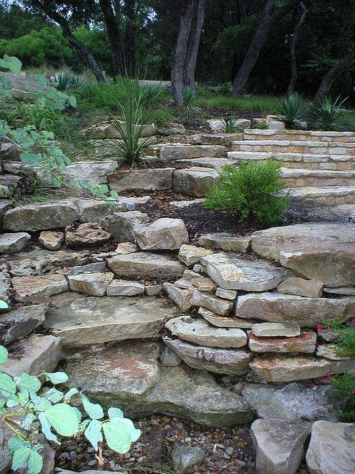 Great front yard rock garden ideas 31