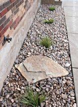 Great front yard rock garden ideas 37