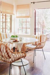 Modern spring dining room decoration ideas 16