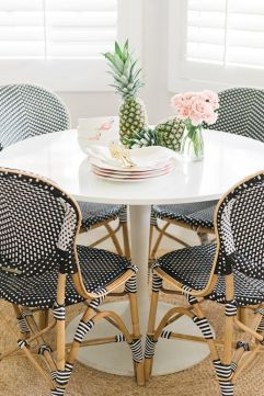 Modern spring dining room decoration ideas 33