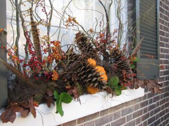 Pretty fall planters for easy outdoor fall decorations 04
