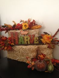 Pretty fall planters for easy outdoor fall decorations 12