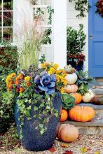 Pretty fall planters for easy outdoor fall decorations 14
