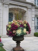 Pretty fall planters for easy outdoor fall decorations 15