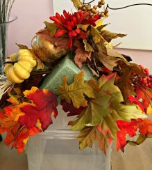 Pretty fall planters for easy outdoor fall decorations 29