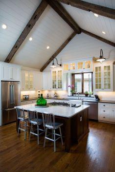 Stunning farmhouse kitchen cabinet ideas 07