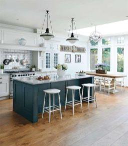 Stunning farmhouse kitchen cabinet ideas 18