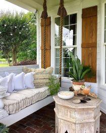 Fancy farmhouse fall porch decor and design ideas 07