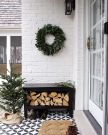 Fancy farmhouse fall porch decor and design ideas 47