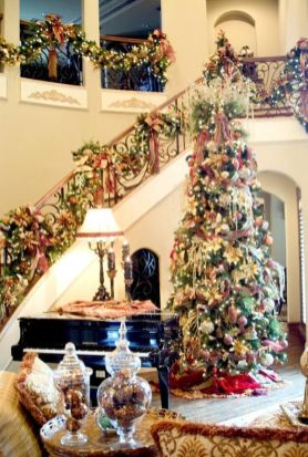 Fascinating christmas tree ideas for living room 31